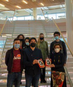 2021-04-29 Aliud dona libro Ramelli a Biblioteca università