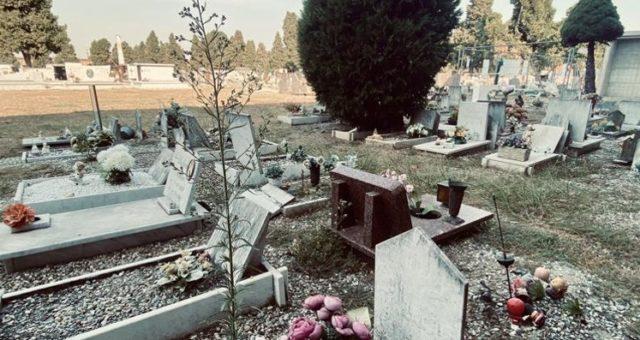 A Lodi il cimitero generale in degrado. Solo la tomba di Ramelli è sempre curata